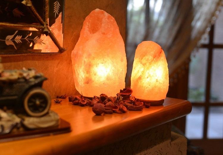 Лампа из розовой гималайской соли