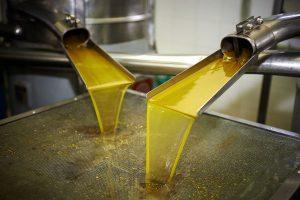 Процесс обработки масла